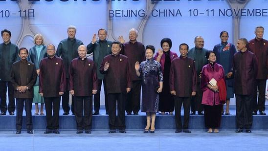 揭秘2014北京APEC领导人服装上的万事利创意图片