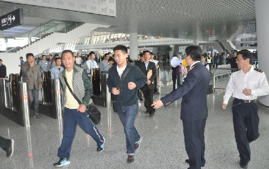 铁路杭州站开展消防安全宣传周活动