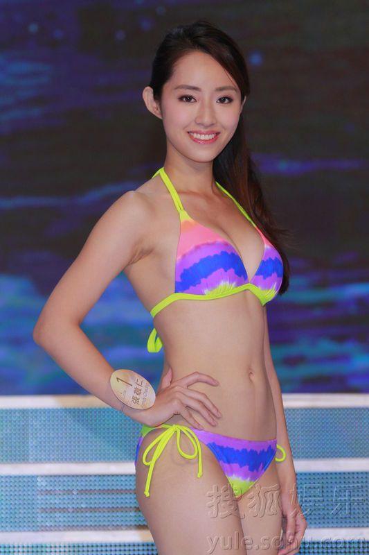 ...佳丽,昨天穿上比基尼泳装彩排,由上届港姐冠军张名雅主持.-十强...