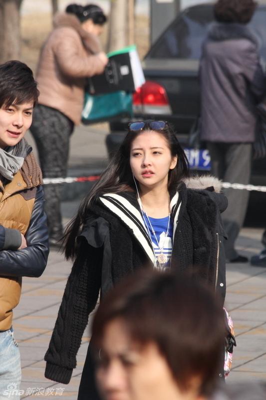北京电影学院表演系放榜 现场最美工作人员与考生竞艳图片