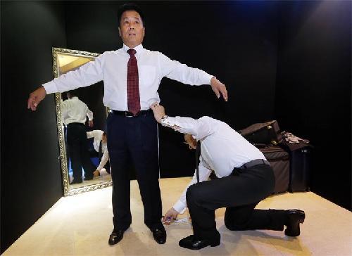 """范思哲灵魂设计师在杭州上演""""私人高级定制"""""""