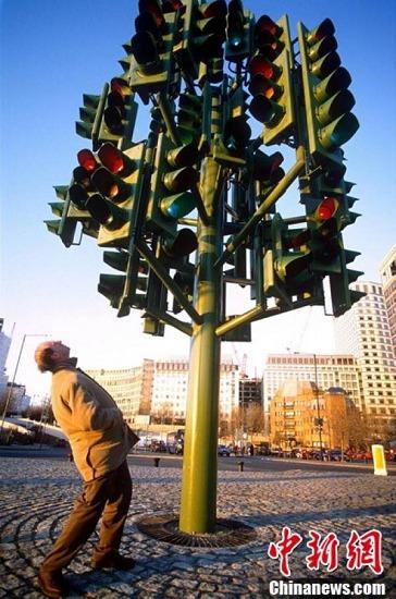 英国伦敦的红绿灯雕塑