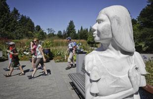第7屆夏日戶外雕塑展在溫哥華開幕