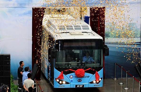 寧波奉化:首批純電動客車下線
