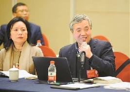 市政协委员继续联组分组讨论政府工作报告