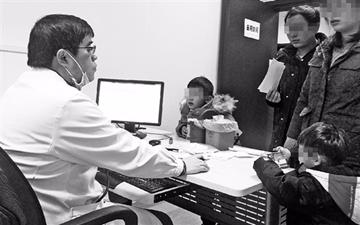 6点多起床,5点半下班 一个杭州儿科医生的一天