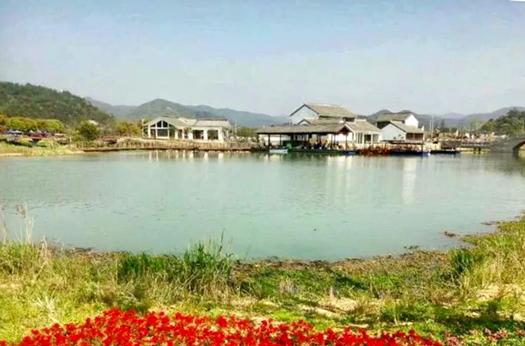 宁波东钱湖东村:一枚湖畔明珠 点亮绿色之路
