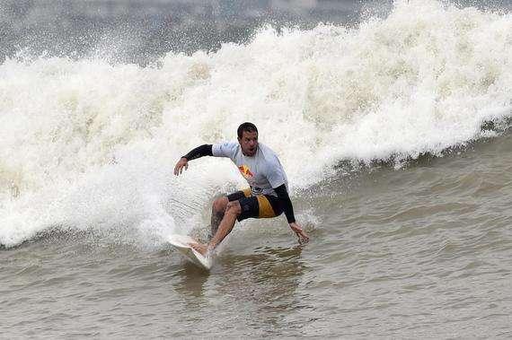 2018錢塘江國際衝浪對抗賽在杭舉行