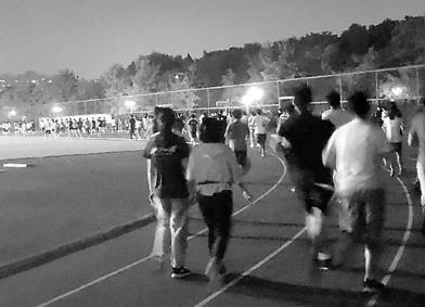 操場摩肩接踵 浙大體育課改:每學期學生需跑超百公裏