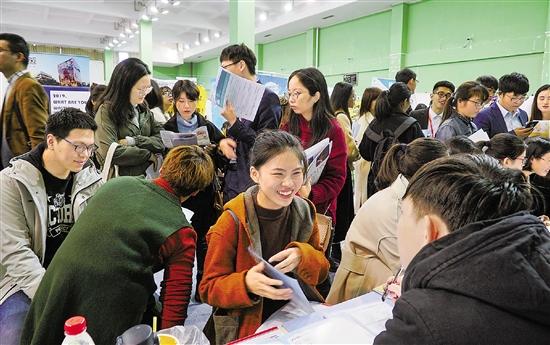 调查面向105所高校27万名毕业生 浙江高校毕业生去哪儿了