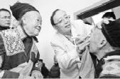 温医大附属眼视光医院有支志愿团队 海拔4千多米藏区他们边吸氧边做手术
