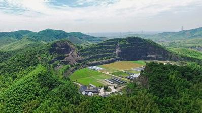 航拍浙江湖州:这座矿山不产矿,产花