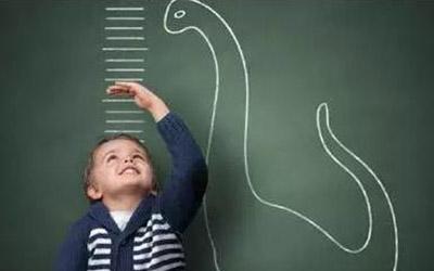 專家提醒矮小兒童長高需早發現早幹預