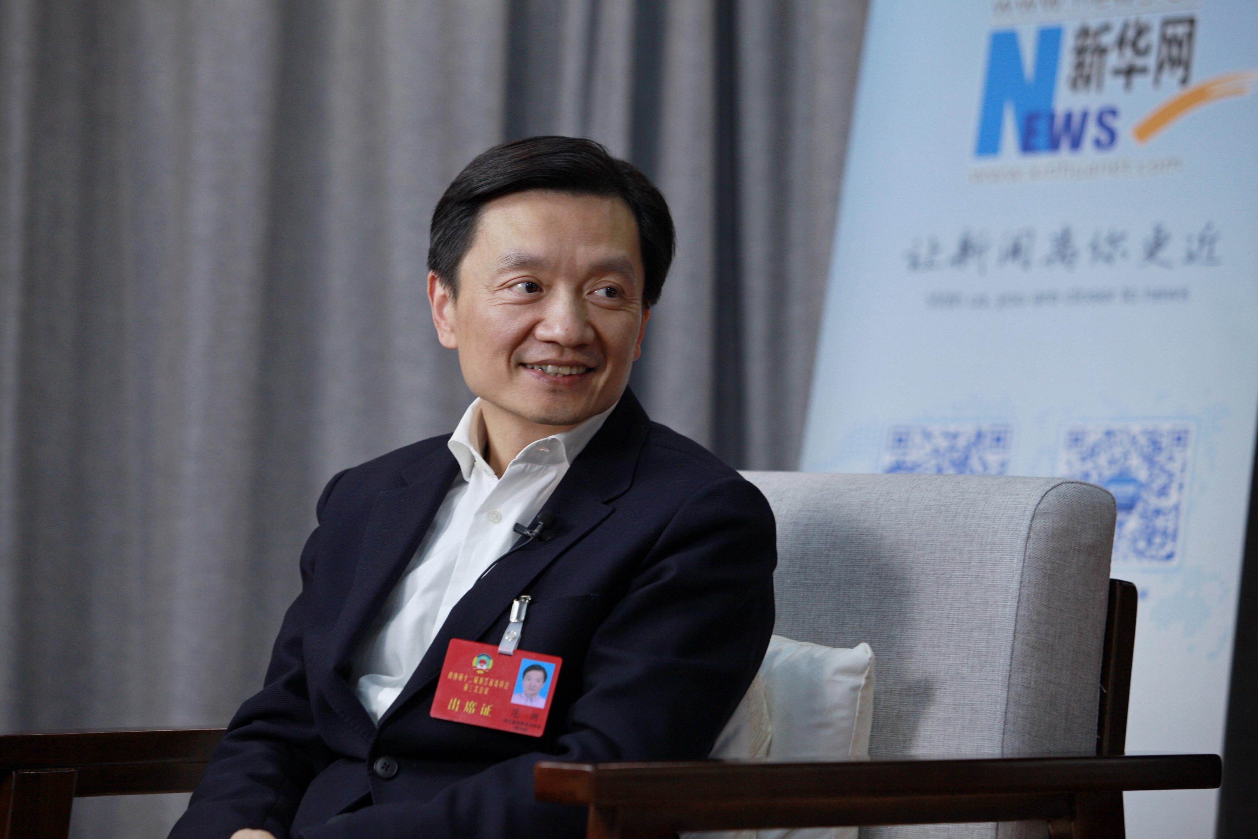 常委之间的关系_新华网