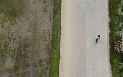 乡村教师王金良:步行30公里,为35个孩子送作业