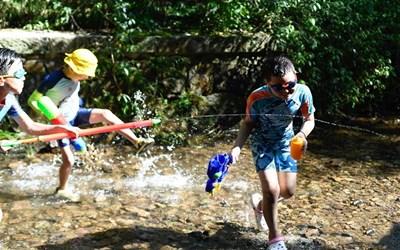 杭州:九溪戲水覓清涼