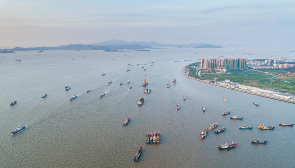 开渔!浙江舟山5500余艘渔船扬帆起航
