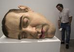 澳大利亞藝術家羅恩·米克雕塑作品在阿根廷展出